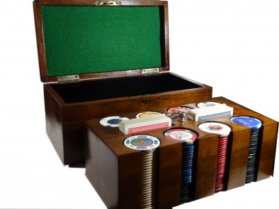 http://www.tokenschips.com/583-thickbox/old-chips-box.jpg